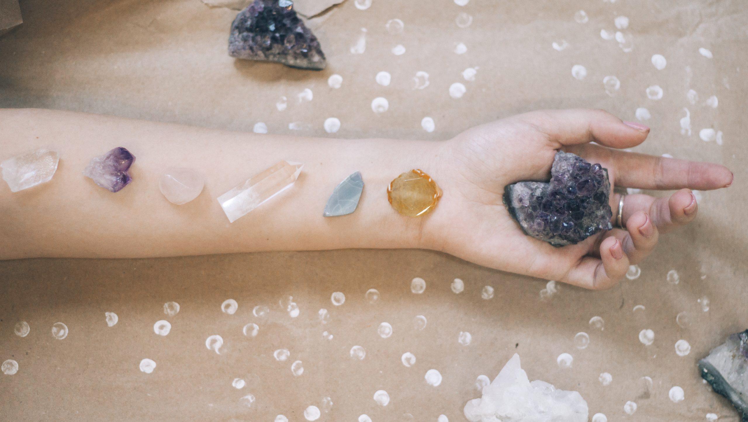Stenen op arm